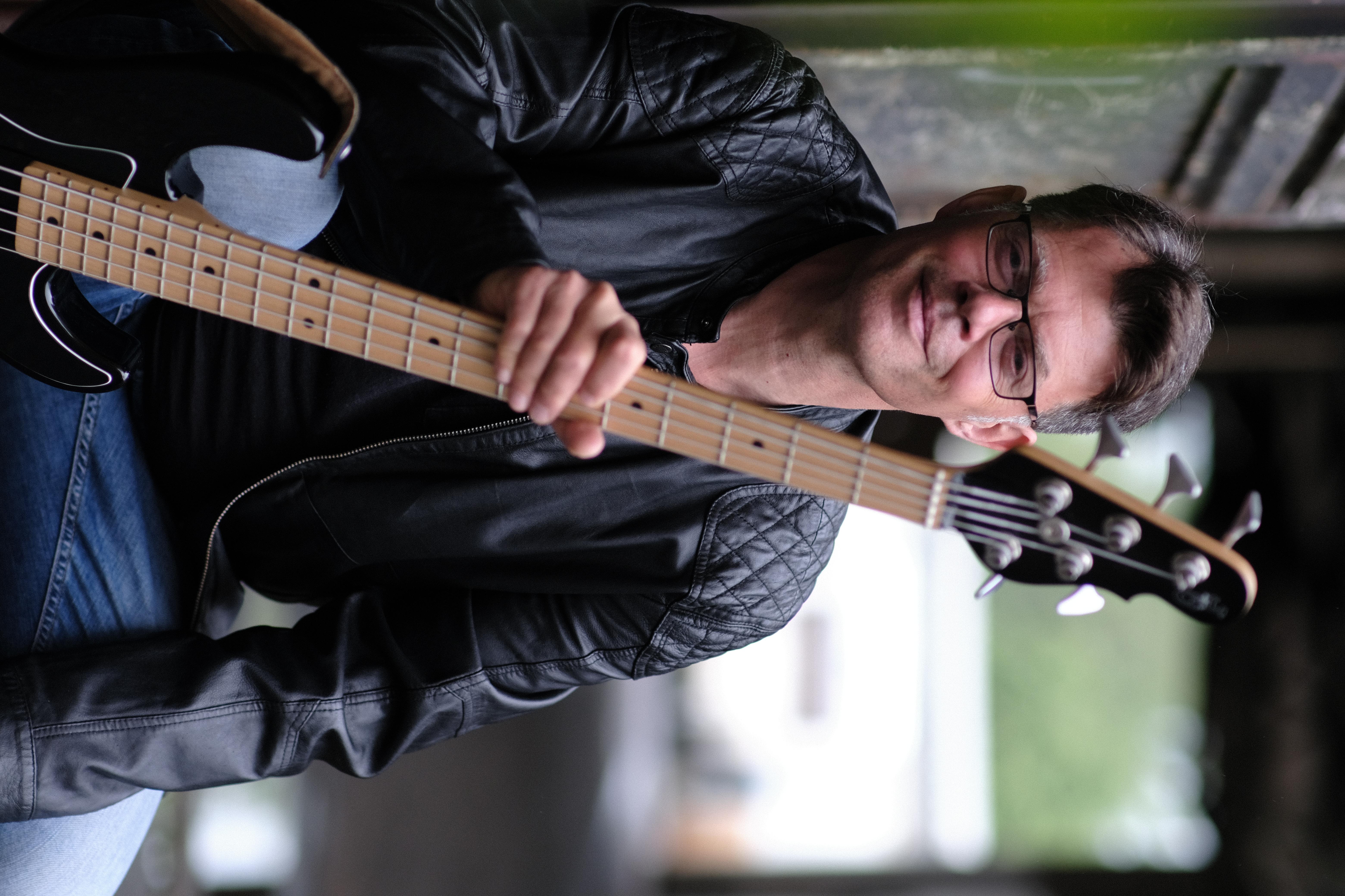 Grischka Zepf - E-Bass, Kontrabass & Bandcoaching
